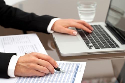 تحقیق نقش نرم افزارهای دبیرخانه و اتوماسيون اداري، در تسريع  پاسخگويي و كاهش مكاتبات کاغذی