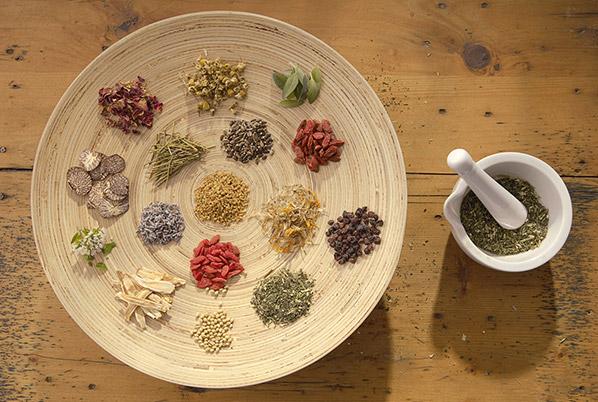پاورپوینت مبانی طب سنتی ایران