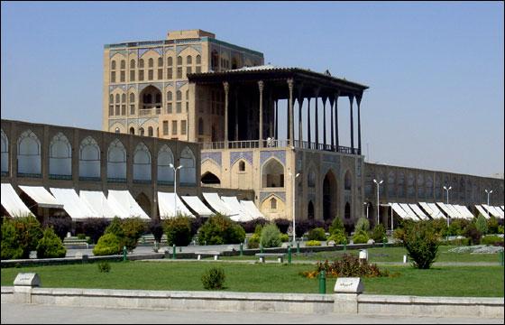 تحقیق آثار تاریخی شهر اصفهان