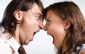 بررسی مقایسه ای خصیصه سلطه گری و سلطه پذیری در زنان شاغل و غیر شاغل